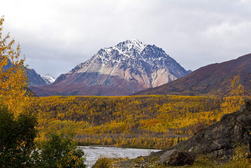 IMAGE: http://ak3006.smugmug.com/Nature/2012-Fall/i-8XHq3qb/0/L/12-September-3752-L.jpg